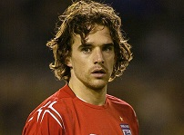 England players owen hargreaves owen hargreaves the biography of manchester uniteds midfield maestro owen hargreaves john blake publishing 2008 altavistaventures Choice Image