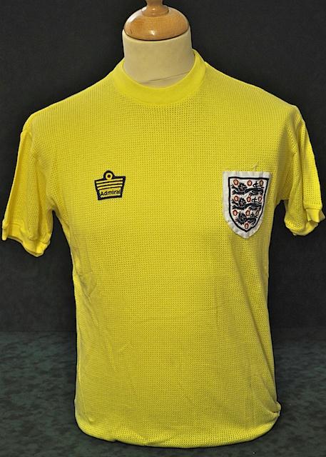 69c53ab6a England s Alternate Uniform 1976